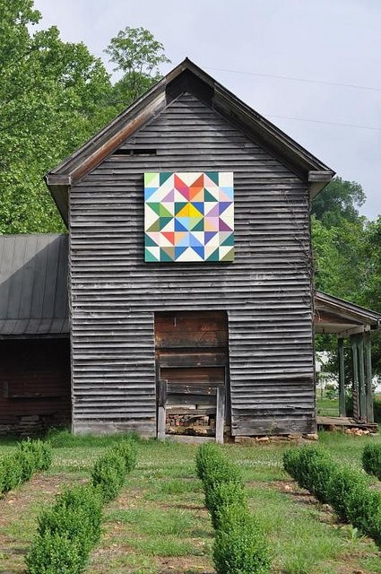 old house yancey county north carolina remembering barns Unique Painted Quilts On Amish Barns Gallery