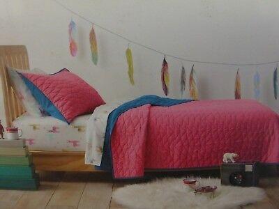 pillowfort triangle stitch twin comforter sheet sham set Modern Triangle Stitch Quilt And Sham Set Pillowfort Inspirations