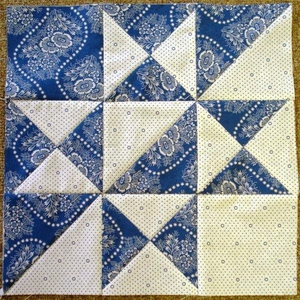 quilt block inspiration for a card luv the two color Interesting Two Block Quilt Patterns Inspirations