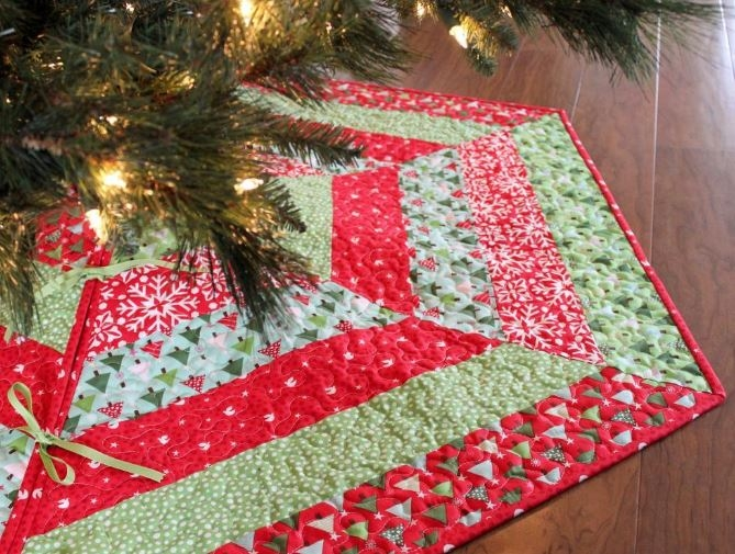 quilted christmas stocking and tree skirt patterns Interesting Tree Skirt Quilt Pattern Gallery