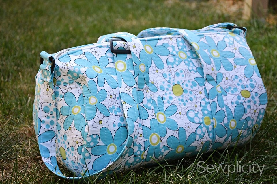 quilted duffle bag sewing tutorial free crafts tutorials Elegant Quilted Duffle Bag Sewing Pattern Inspirations