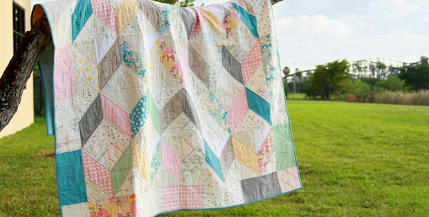 soft colors make a charming old fashioned quilt quilting Cool Old Fashioned Quilt Patterns