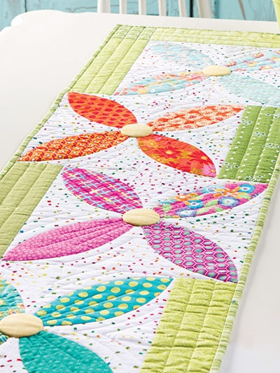 summer blooms table runner pattern Modern Quilted Table Runner Patterns Gallery