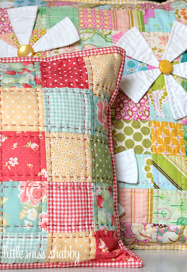 that red quilted pillowa free tutorial coriander quilts Cool Quilted Pillows Patterns Inspirations