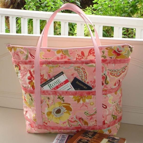 the quilted travelers tote pattern all that baggage Interesting Quilted Tote Bag Pattern Gallery