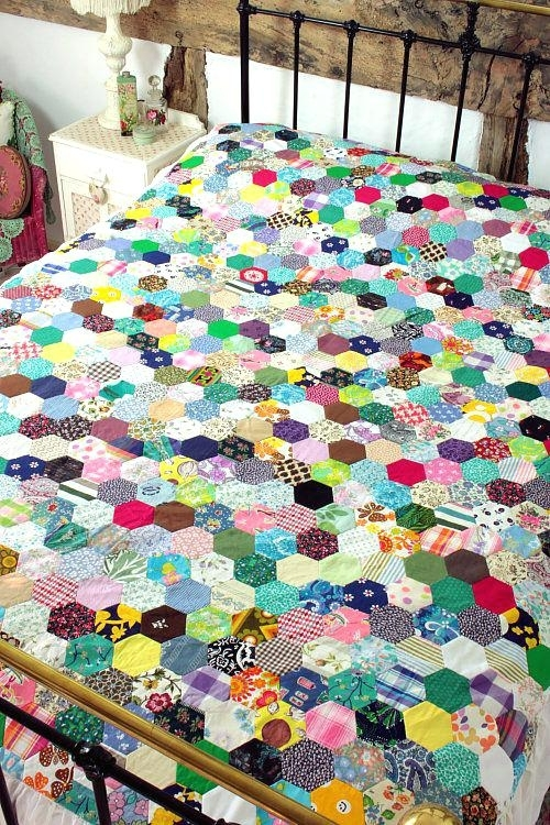 vintage style quilt fabric vintage look quilt covers vintage Vintage Look Quilts