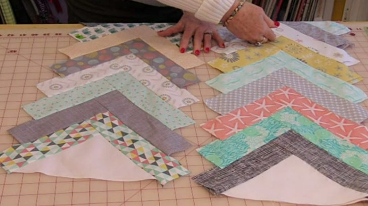 create a chevron quilt with no blocks at all diy ways Interesting Chevron Quilt Pattern Using Triangles Gallery