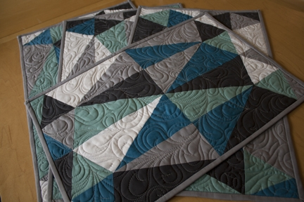 a free pattern thirty two carats jess toye quilts Stylish Modern Quilted Placemat