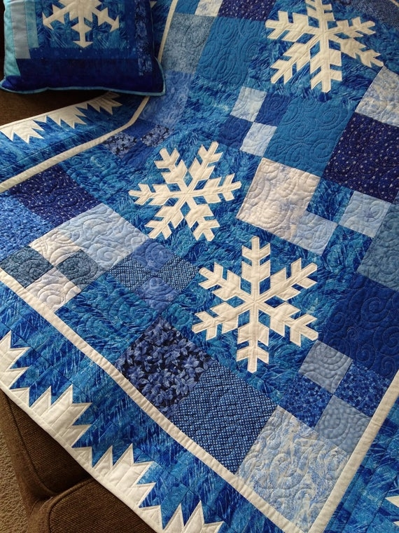 hoarfrost quilt pattern snowflake quilt throw quilt pdf download canuck quilter designs Stylish Snowflake Quilt Patterns