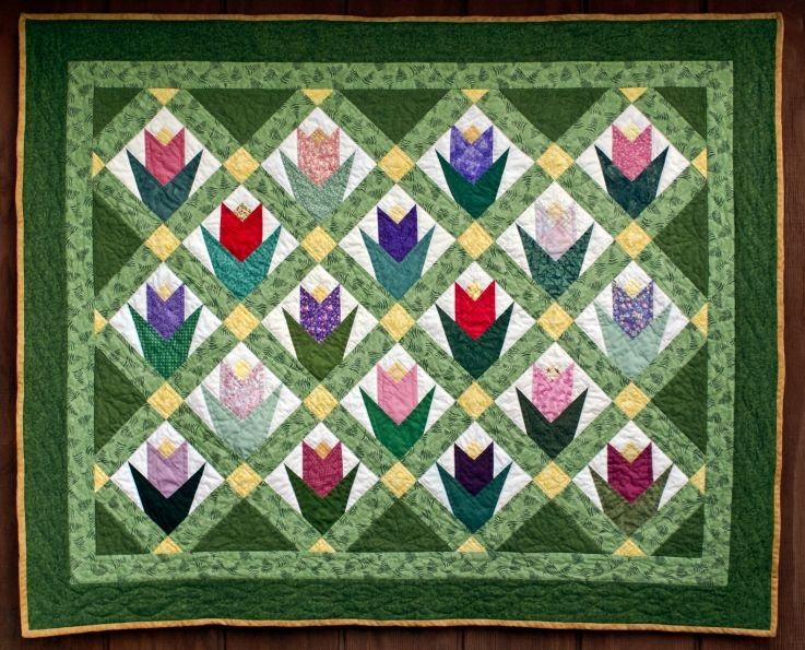 march tulips quilt flower quilts quilt block patterns Make A Patchwork Tulip Quilt Block Patterns Gallery