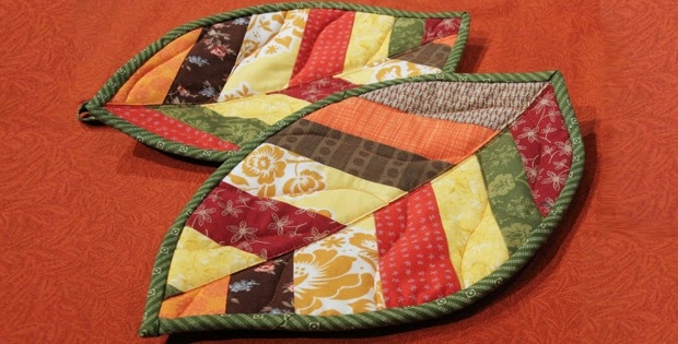 quilted leaf potholders are so easy to make quilting digest Stylish Quilted Pot Holder Pattern
