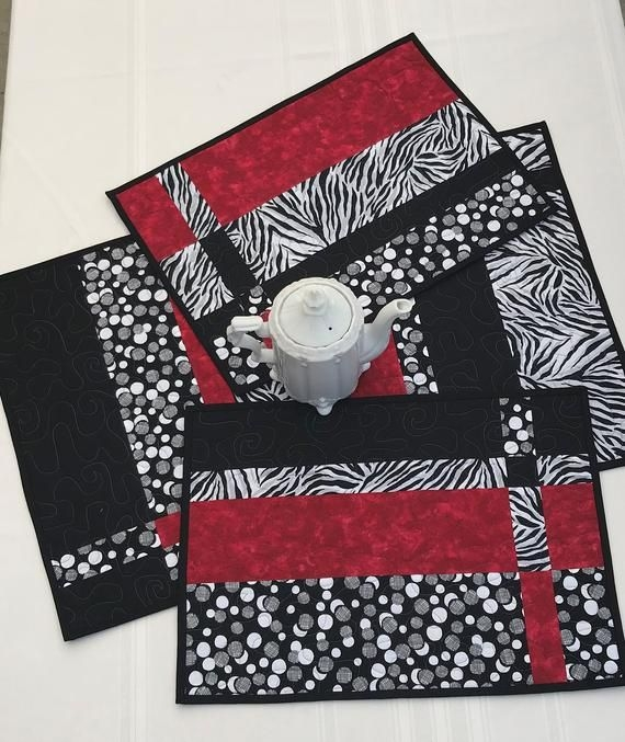 quilted placemat set of 4 red black and white placemats Stylish Modern Quilted Placemat