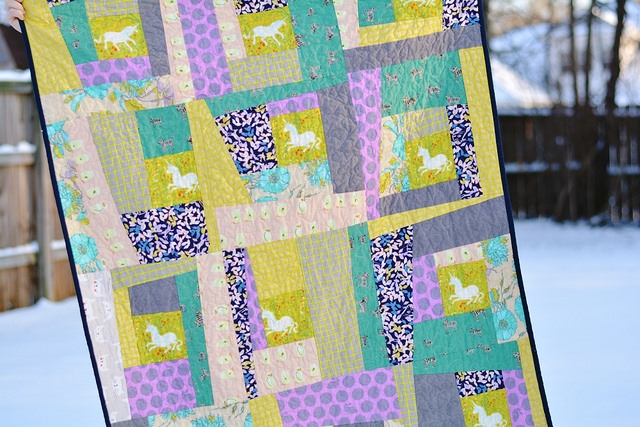 wonky log cabin quilt pattern seams and scissors Elegant Wonky Log Cabin Quilt Pattern