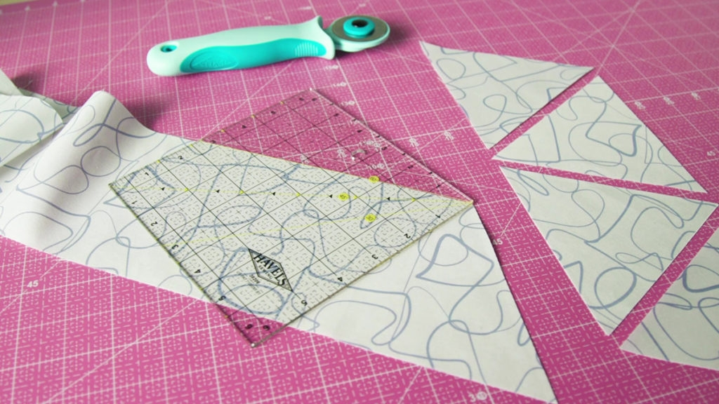9   sew easy cutting 60 degree triangles quilting daily 11 Cozy Triangle Quilts 60 Degrees
