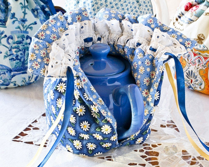 Beautiful quilted drawstring tea cozy 9 Modern Quilted Tea Cosy Pattern Inspirations