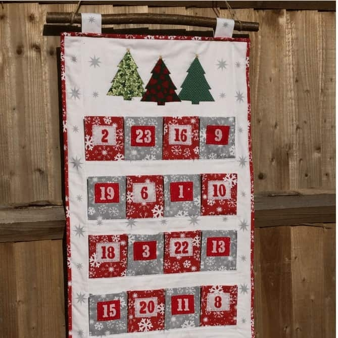 big pocket family advent calendar pattern 9 Cool Quilted Advent Calendar Pattern Inspirations