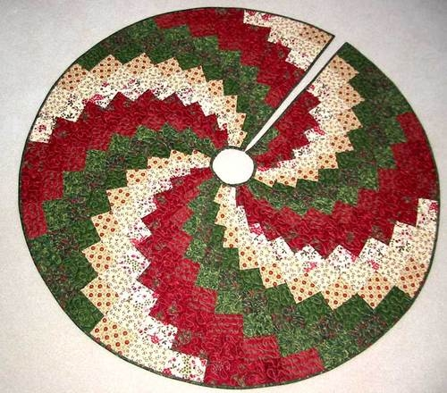Cool 20 free quilted christmas tree skirt patterns guide patterns 11 Elegant Tree Skirt Quilt Patterns Inspirations