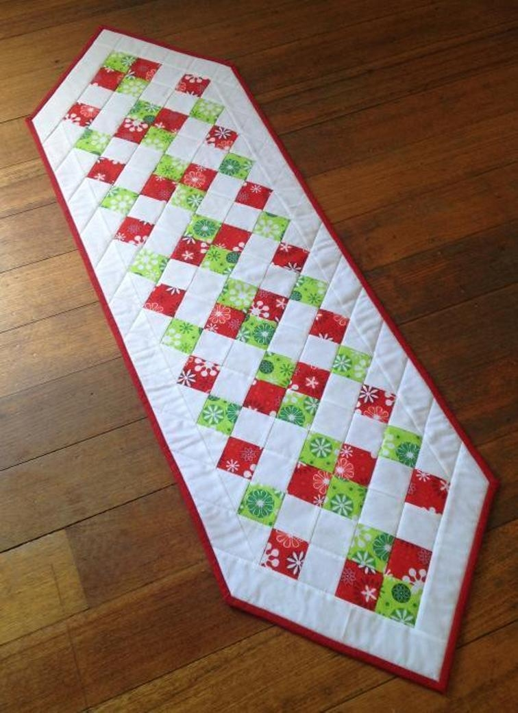 Cool 25 show stopping free table runner patterns sewcanshe Interesting Patterns For Quilted Table Runners Inspirations