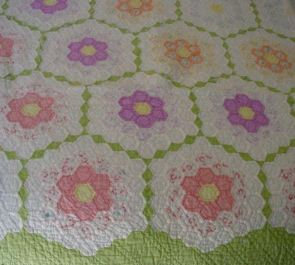 Cool grandmothers flower garden quilt pattern flower garden 9 Unique Flower Garden Quilt Pattern Inspirations