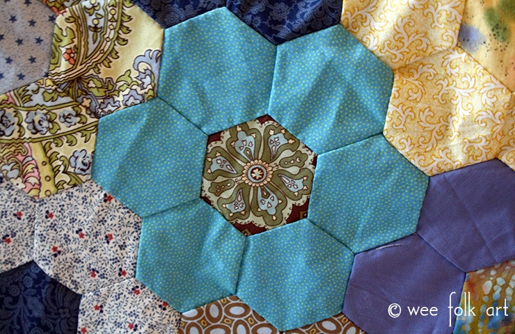 Cool hand pieced hexagon quilt tutorial wee folk art Unique Hand Piecing Quilt Patterns Inspirations