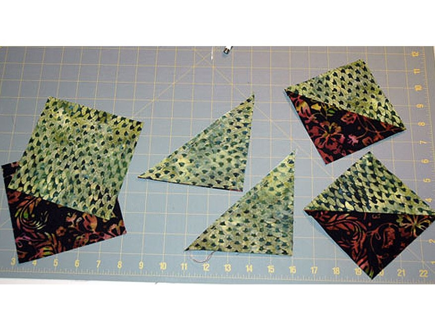 Cool how to make easy half square triangle units for quilts Unique Triangle Patchwork Quilt Patterns