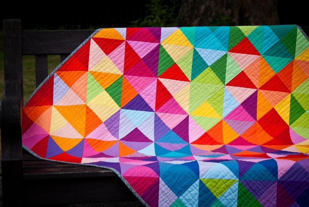 Cozy beautiful colorful free quilt pattern to download 10 Modern Colorful Quilt Patterns Inspirations