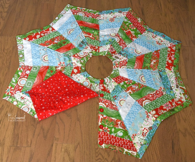 Cozy how to make a christmas tree skirt youll love the Cozy Quilted Tree Skirt Pattern Inspirations