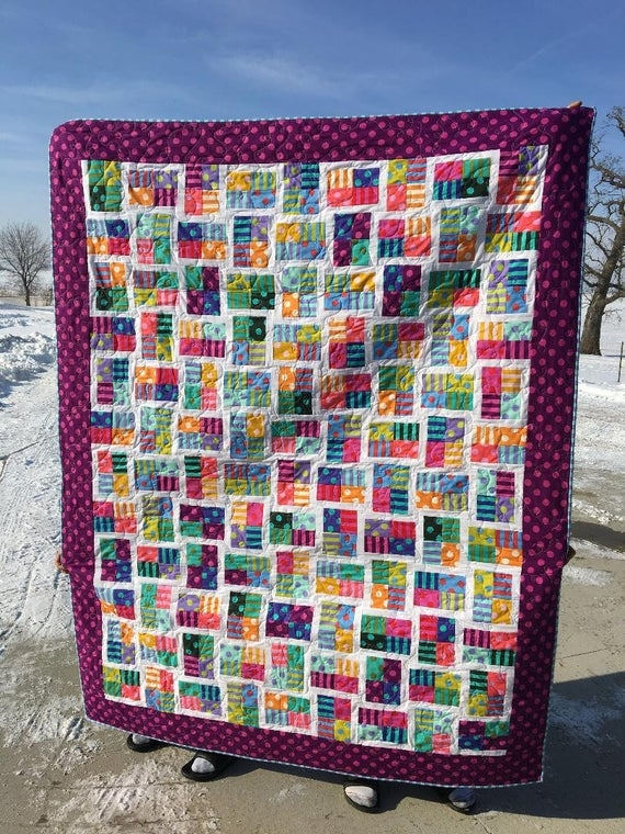 Cozy sparkling gemstone quilt made with tula pink freespirit fabric 11 Stylish Quilt Sparkling Gemstones