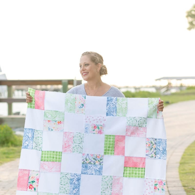 Elegant free ba quilt pattern for beginners simple squares quilt Stylish Patchwork Baby Quilt Patterns Free
