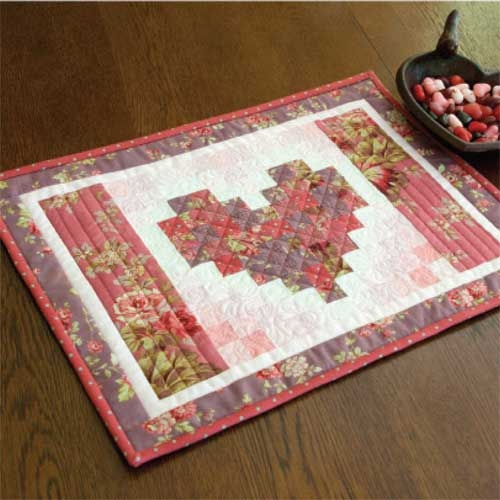 friday free quilt patterns two hearts quilted placemats 11 Cool Quilt Patterns For Placemats Inspirations