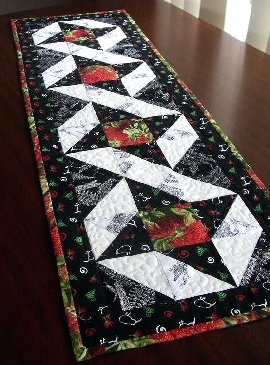 Interesting christmas table runner patterns quilt projects fabrics kiwi Cool Simple Quilted Table Runner Patterns