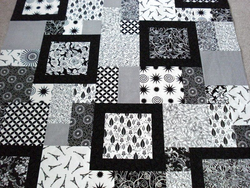 Interesting larinth quilt pattern free quilt patterns black and 9   Quilt Patterns Black And White Gallery