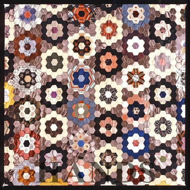 Interesting patchwork quilt patterns free patchwork hexagon pattern Cool Hexagon Quilt Patterns Designs