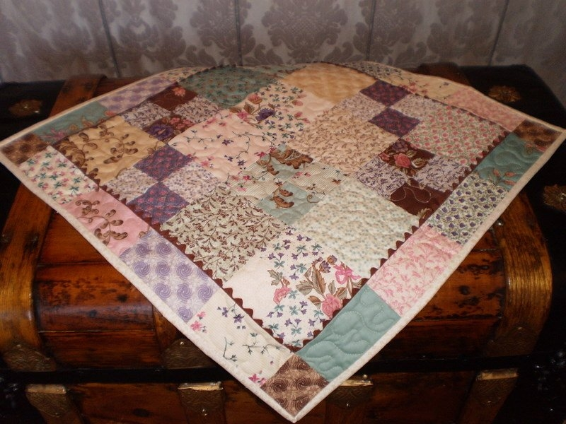 Modern free tutorial charm pack table topper 9 Beautiful Table Topper Quilt Patterns