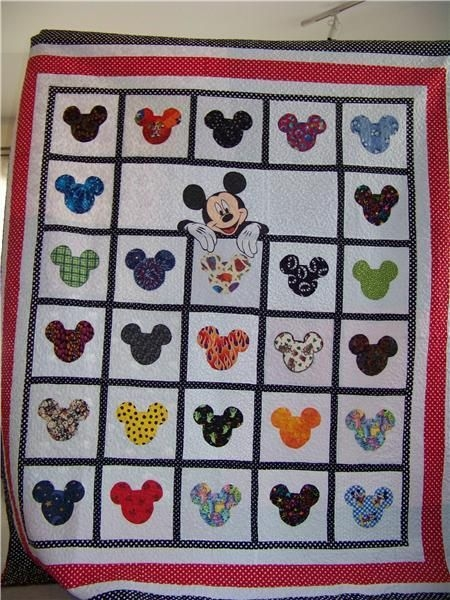 Modern mickey mouse quilt love it this is calling me back to 9 Cool Mickey Mouse Quilt Pattern