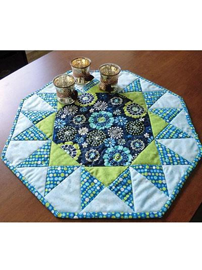 Modern quilt patterns quick easy patterns table toppers 9 Beautiful Table Topper Quilt Patterns