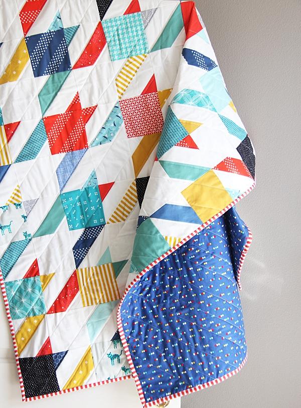 Modern summer houndstooth quilt cluck cluck sew Modern Houndstooth Quilt Pattern Inspirations