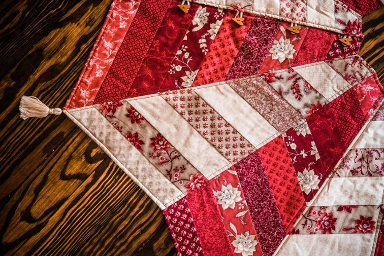 Modern the quilted tree skirt online class bluprint 11 Modern Quilt Tree Skirt Pattern Gallery