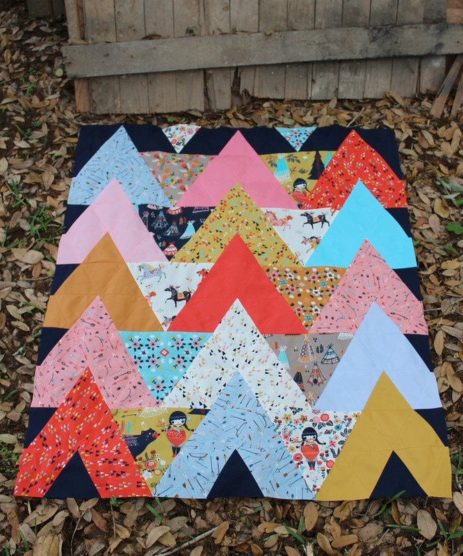 Modern tipi quilt pattern and tutorial for sewing 60 degree 11 Cozy Triangle Quilts 60 Degrees