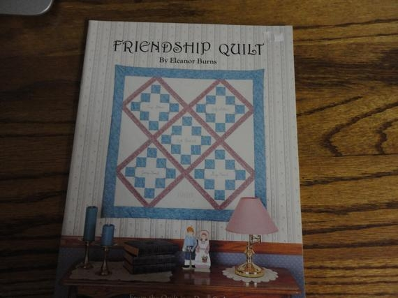 Modern vintage friendship quilt eleanor burns 10 New Vintage Friendship Quilt