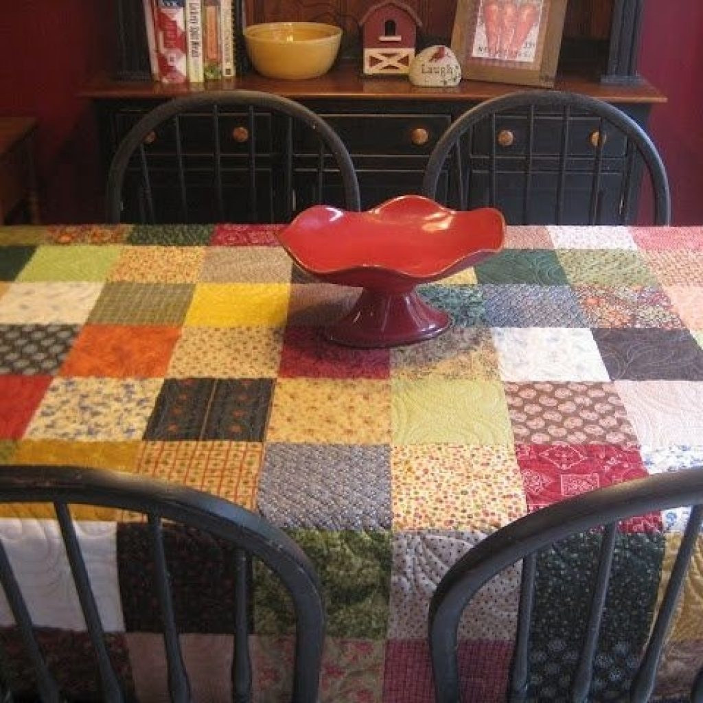 New quilted tablecloths tablecloth quilt handmade quilts 10   Quilted Tablecloth Patterns Gallery