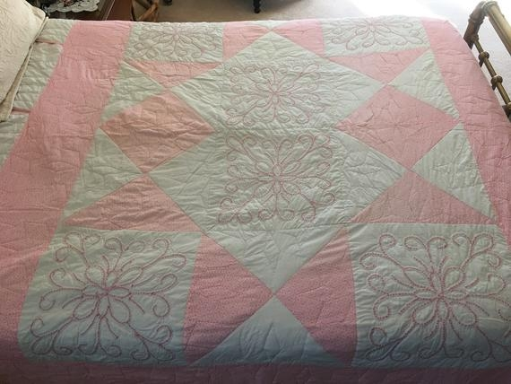 New vintage hand stitched quilt 9 Stylish Vintage Hand Stitched Quilts