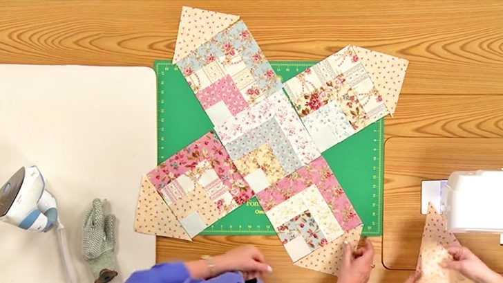shab chic quilt pattern is made from fabric squares diy ways 11 New Shabby Chic Quilt Patterns Inspirations
