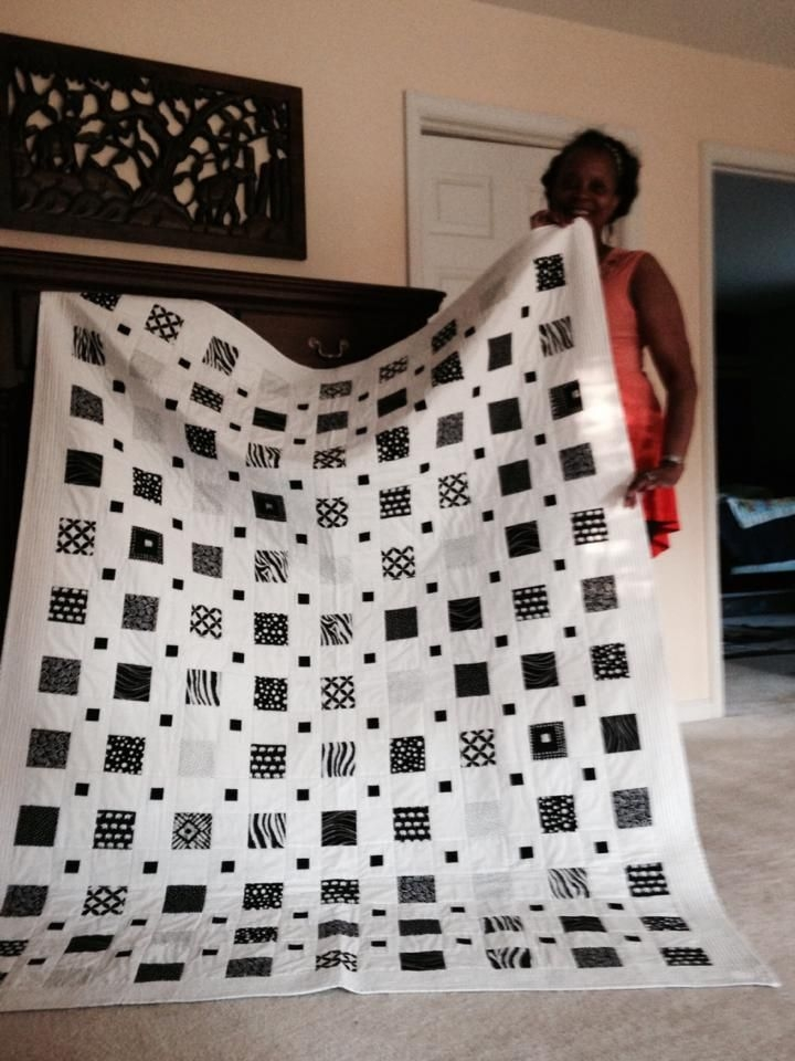 simple graphic style quilts black and white quilts 10 New Black And White Quilts Patterns Gallery