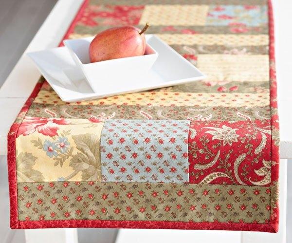 Stylish free table runner patterns allpeoplequilt Cool Simple Quilted Table Runner Patterns