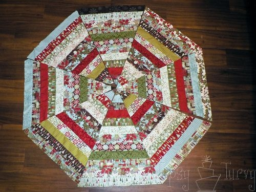 Stylish quilted ruffled tree skirt ashlee marie christmas tree 11 Modern Quilt Tree Skirt Pattern Gallery