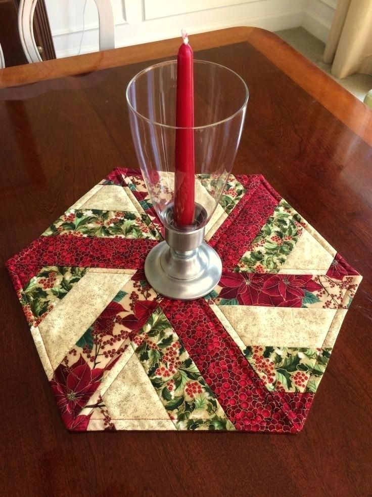 Stylish round table topper red green quilted hexagon table runner 9 Beautiful Table Topper Quilt Patterns