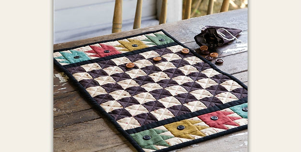 Stylish this charming table quilt is a game board too quilting digest 9   Checkerboard Quilt Pattern Gallery