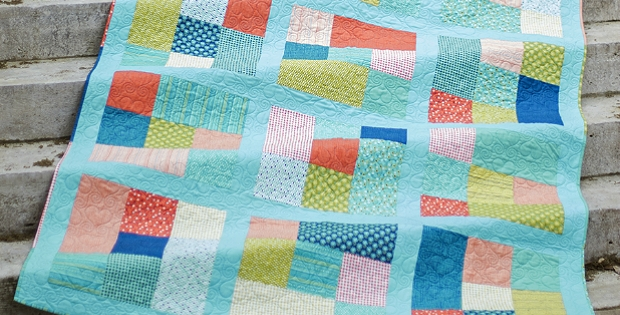 Stylish this fat quarter quilt is easy as can be quilting digest Cozy Quilt Patterns With Fat Quarters Gallery