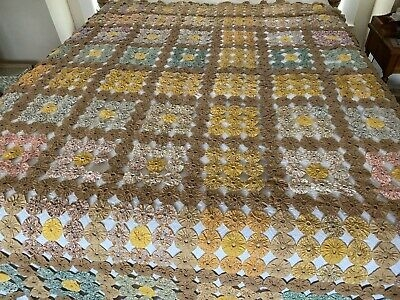 Stylish vintage 30s hand made yoyo quilt top feedsack cotton fabric yo yo antique 84x99 ebay 11   Vintage Yoyo Quilt